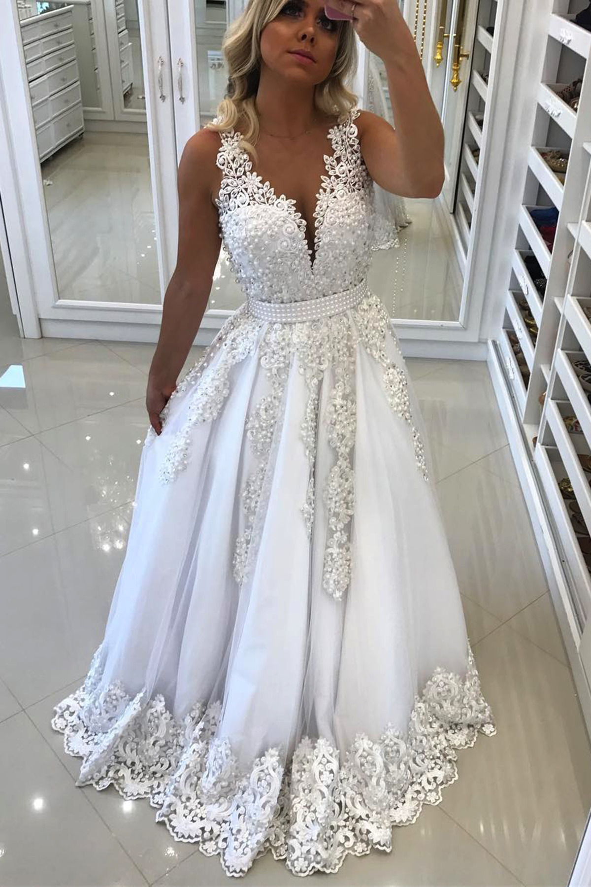 A Line V Neck Long White Tulle Lace Prom Dresses With Pearls Long Elegant  Formal Evening Gown Cheap Junior Senior Party Dress Custom Plus Size 2018